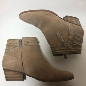 Vince Camuto Suede Ankle Boot Sz 7 1/2